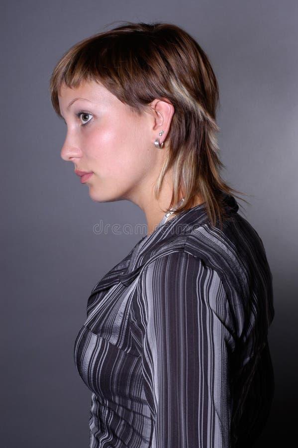 Download Giovane donna immagine stock. Immagine di testa, adulto - 222733