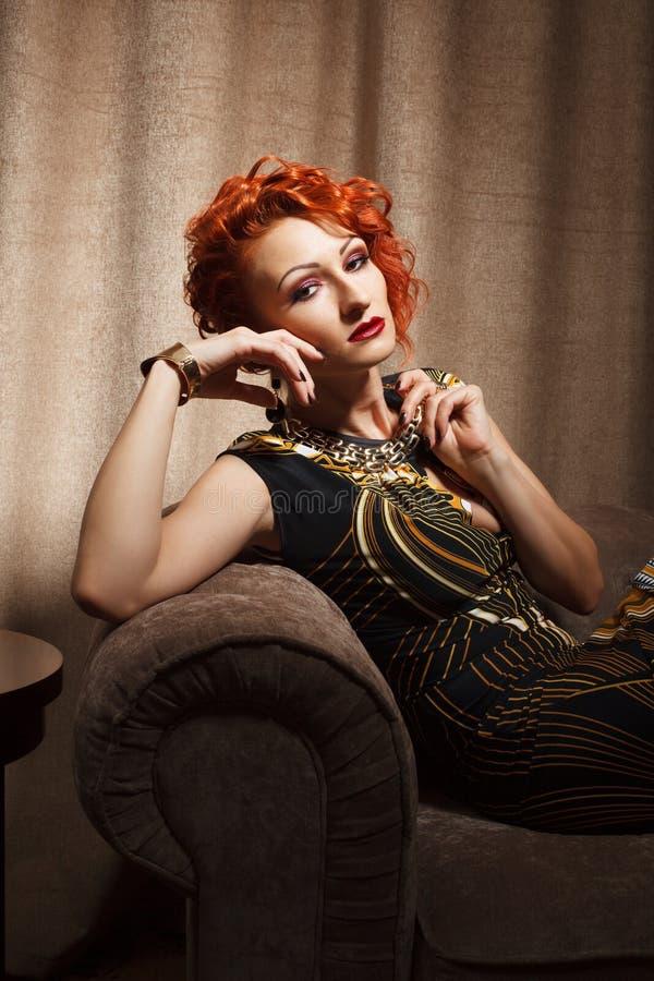 Download Giovane Donna Adulta Attraente Fotografia Stock - Immagine di abbastanza, hotel: 30827316
