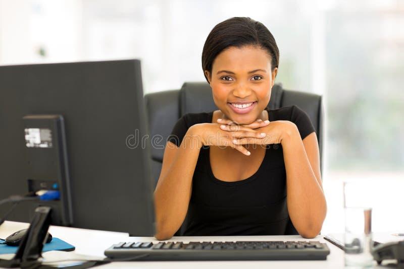 Giovane donna africana immagini stock
