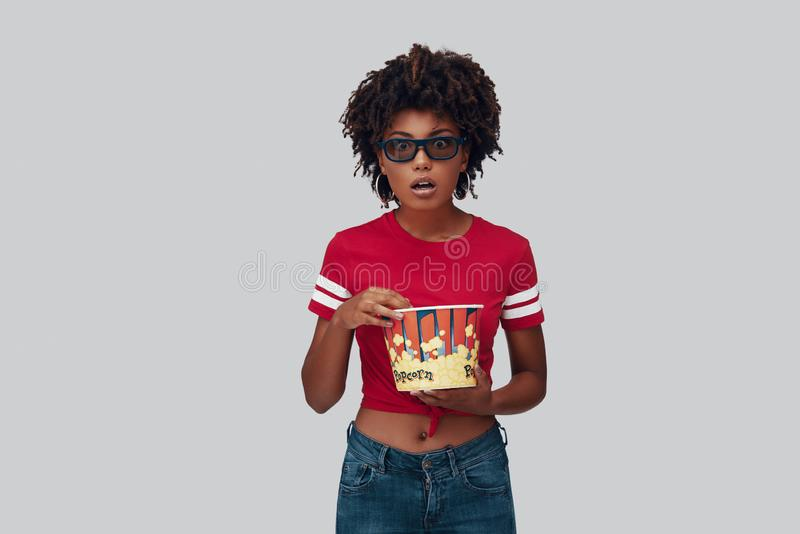 Giovane donna africana attraente fotografie stock libere da diritti