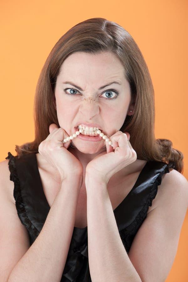 Giovane donna arrabbiata immagini stock