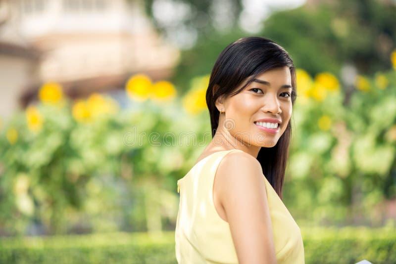 Giovane donna asiatica immagine stock libera da diritti