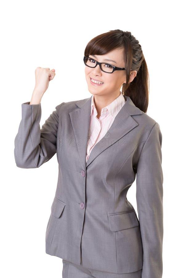 Giovane donna asiatica emozionante di affari fotografie stock libere da diritti