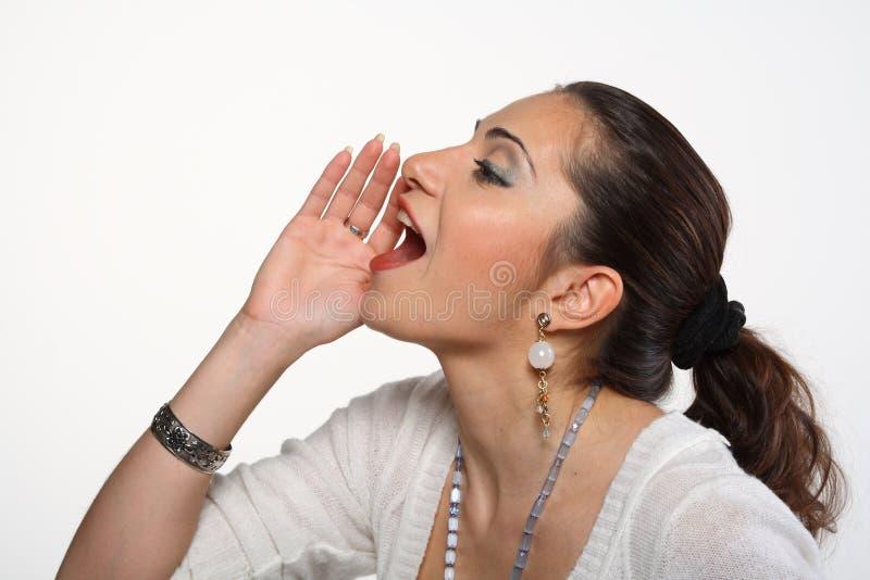 Giovane donna che grida immagini stock libere da diritti