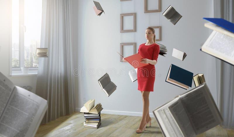 Giovane donna che legge un libro Media misti fotografie stock libere da diritti