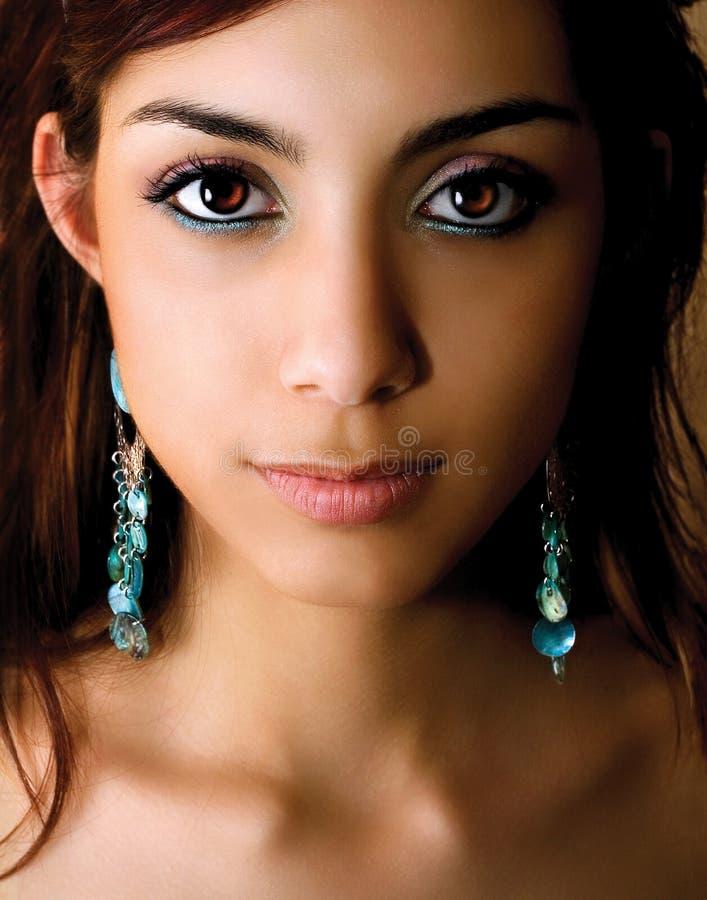 Giovane donna con bello trucco fotografie stock libere da diritti