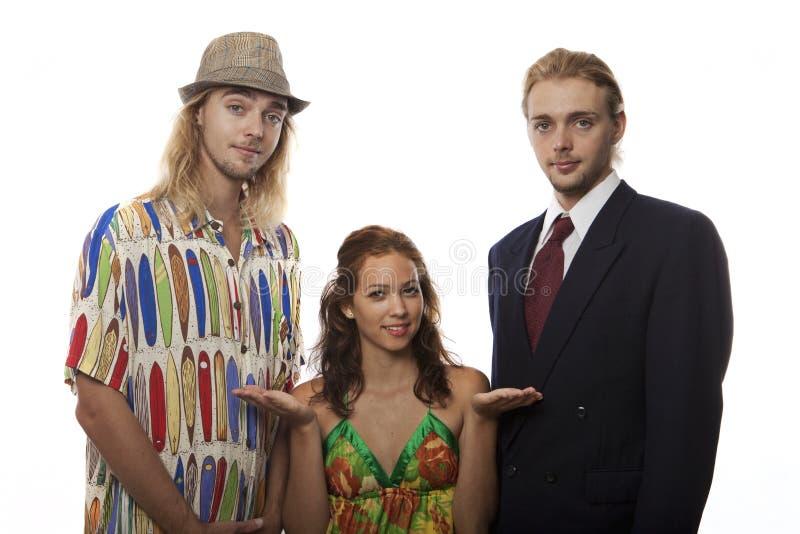 Giovane donna con i fratelli gemelli fotografia stock libera da diritti