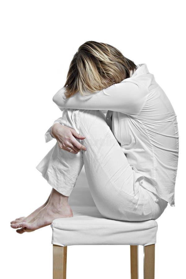 Giovane donna con la sindrome di burnout immagini stock