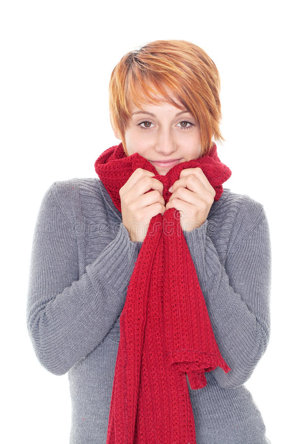Giovane donna dai capelli rossi con la sciarpa fotografia stock