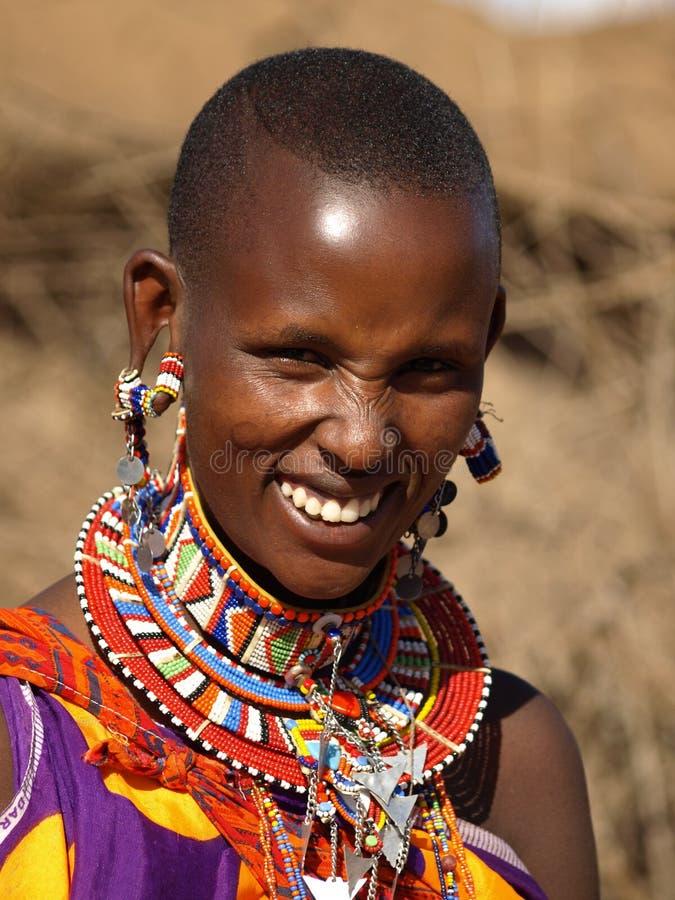 Giovane donna della gente nomade dei masais fotografia stock