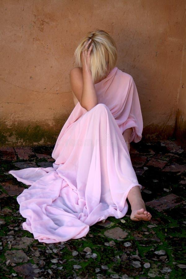 Giovane donna depressa immagini stock libere da diritti