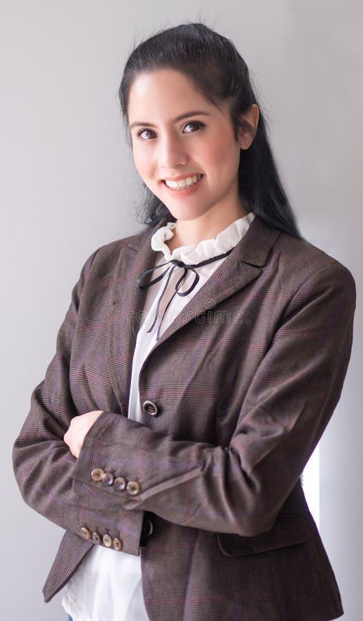 Giovane donna di affari del ritratto immagine stock libera da diritti