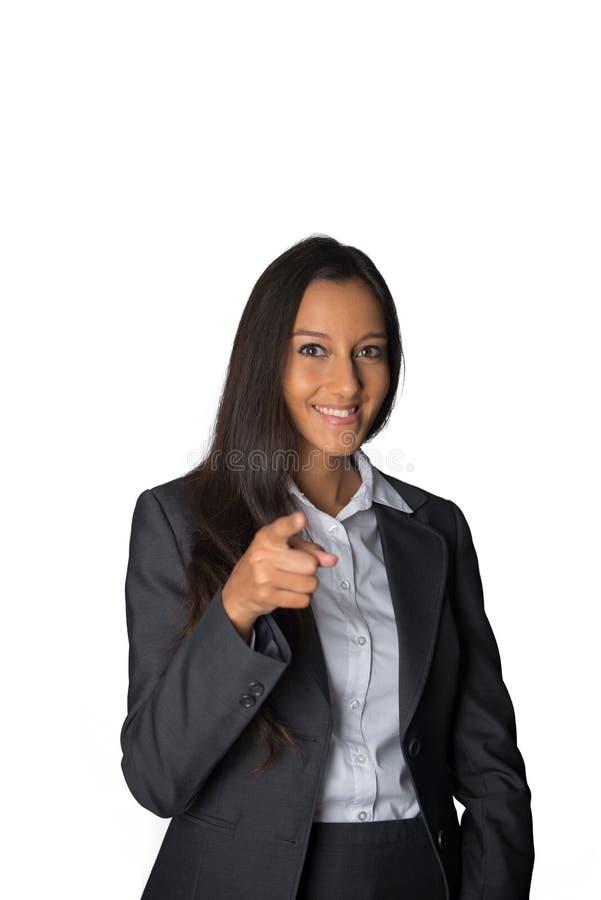 Giovane donna di affari indiana che indica alla macchina fotografica fotografia stock libera da diritti