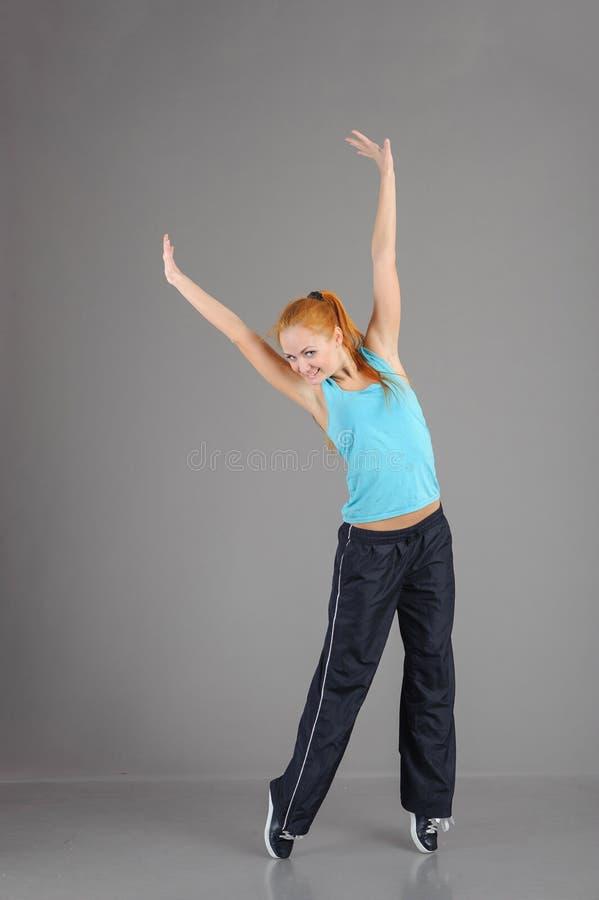 Giovane donna di salto immagini stock