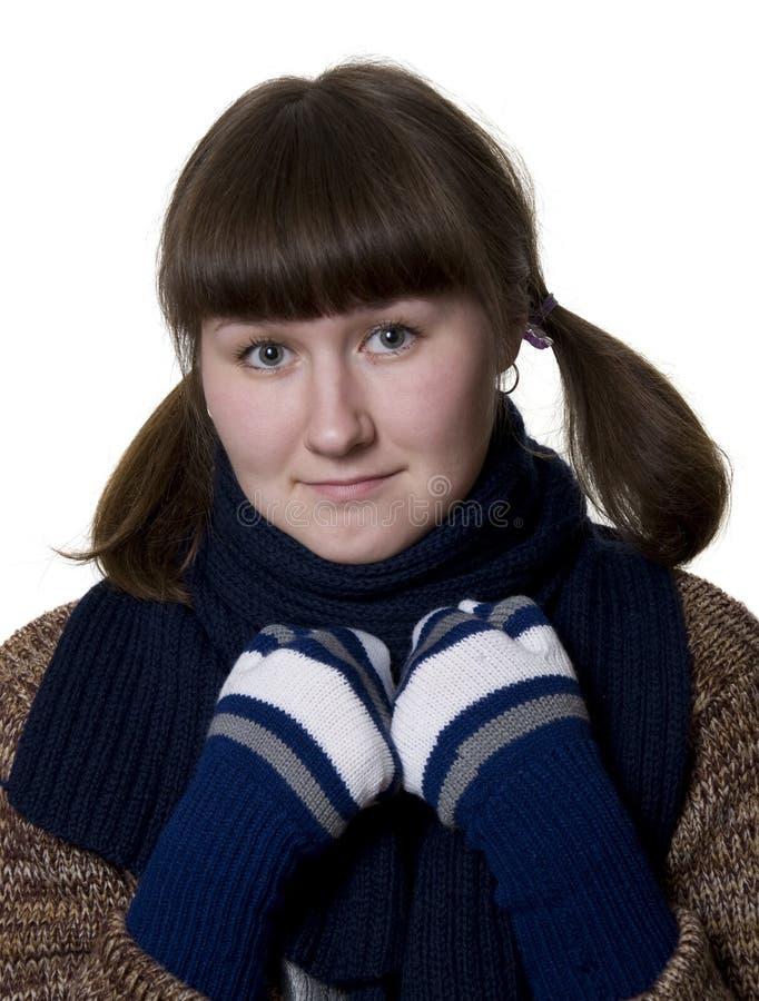 Download Giovane donna e sciarpa fotografia stock. Immagine di comforter - 7319352
