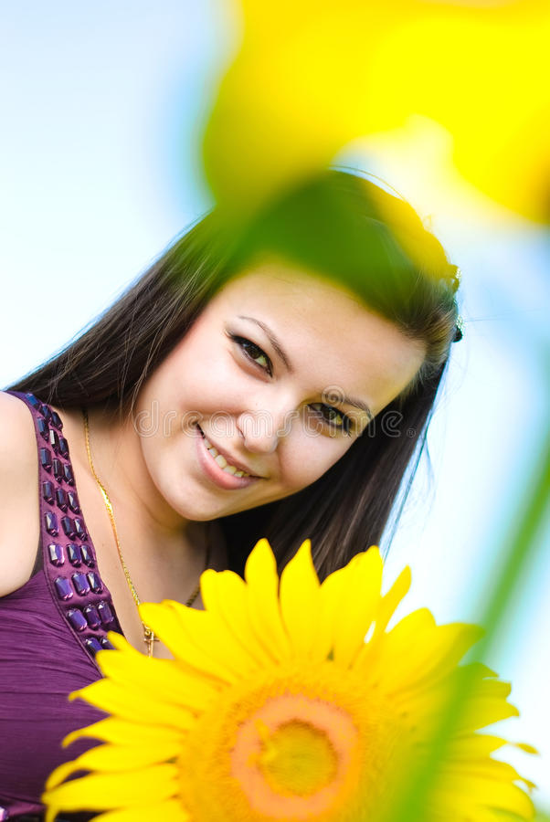 Giovane donna felice fotografia stock