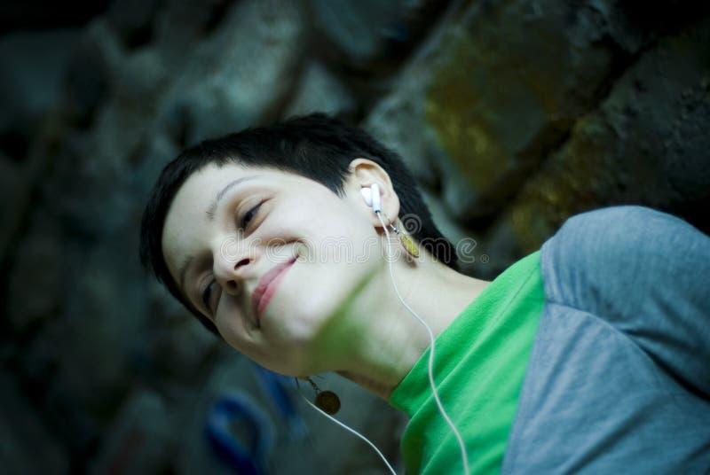 Giovane donna felice fotografia stock libera da diritti