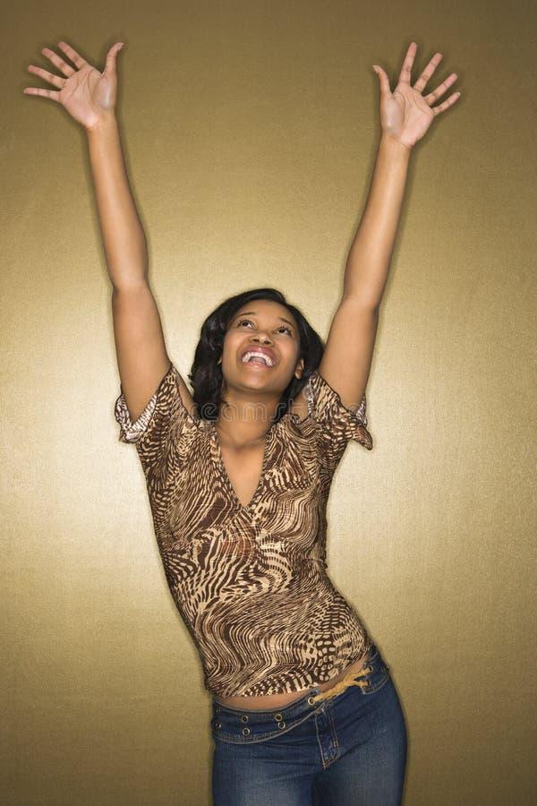 Giovane donna gioiosa. immagine stock libera da diritti