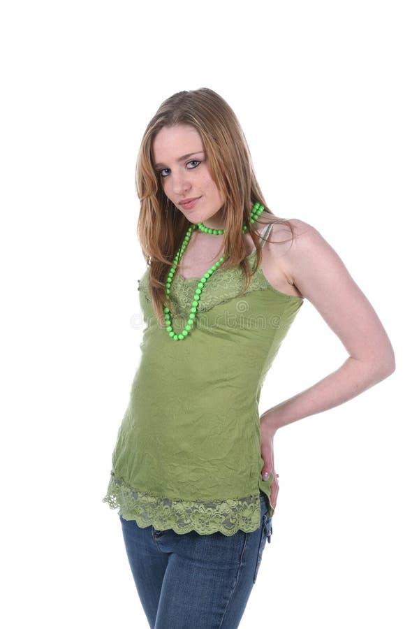 Giovane donna graziosa e sexy nel verde immagini stock