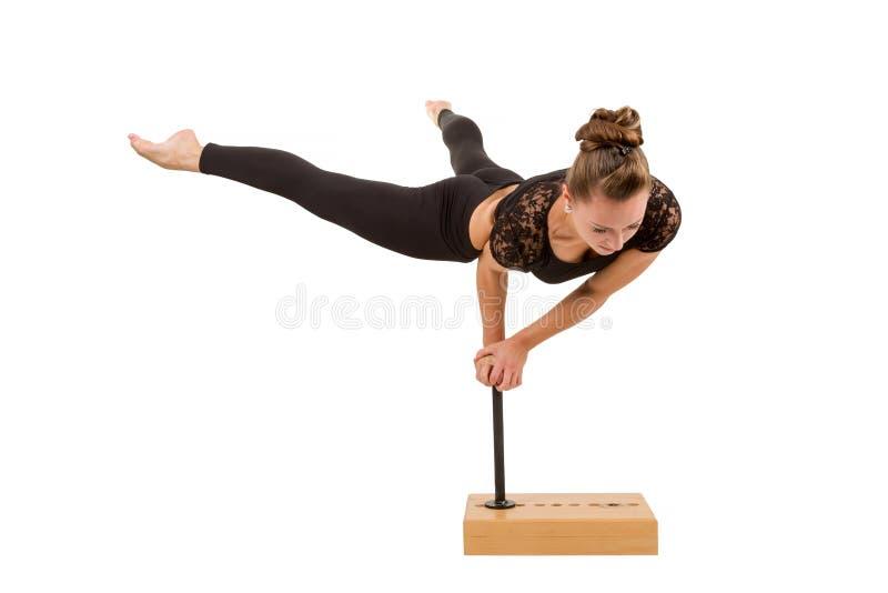 Giovane donna professionale della ginnasta fotografia stock libera da diritti