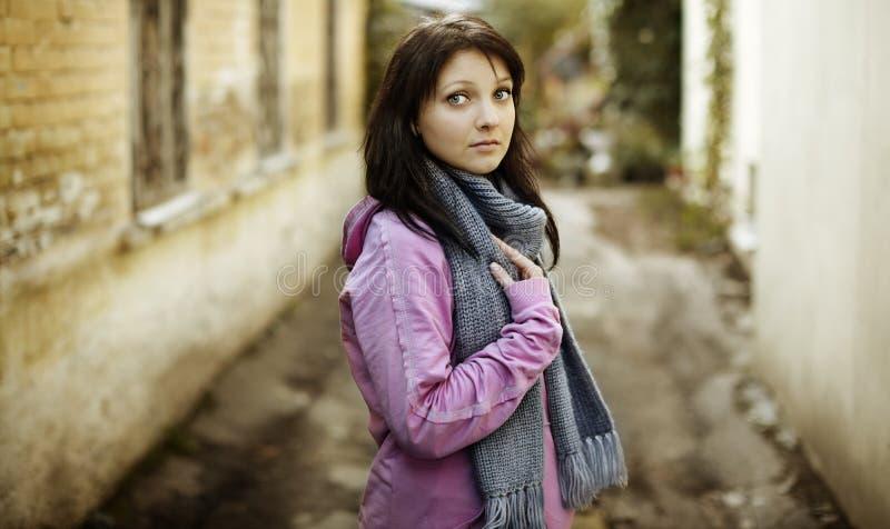 Giovane donna reale immagini stock libere da diritti