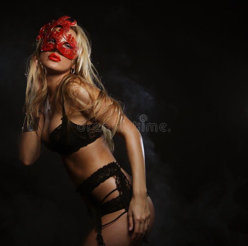 Download Giovane Donna Sexy In Biancheria Nera Fotografia Stock - Immagine di caucasico, impressionabile: 55358200