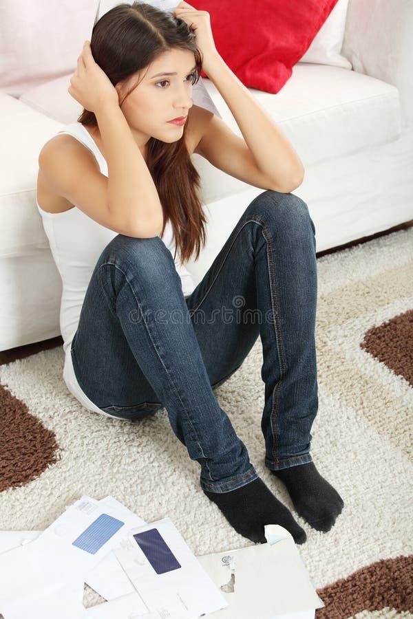 Giovane donna sollecitata. fotografia stock libera da diritti