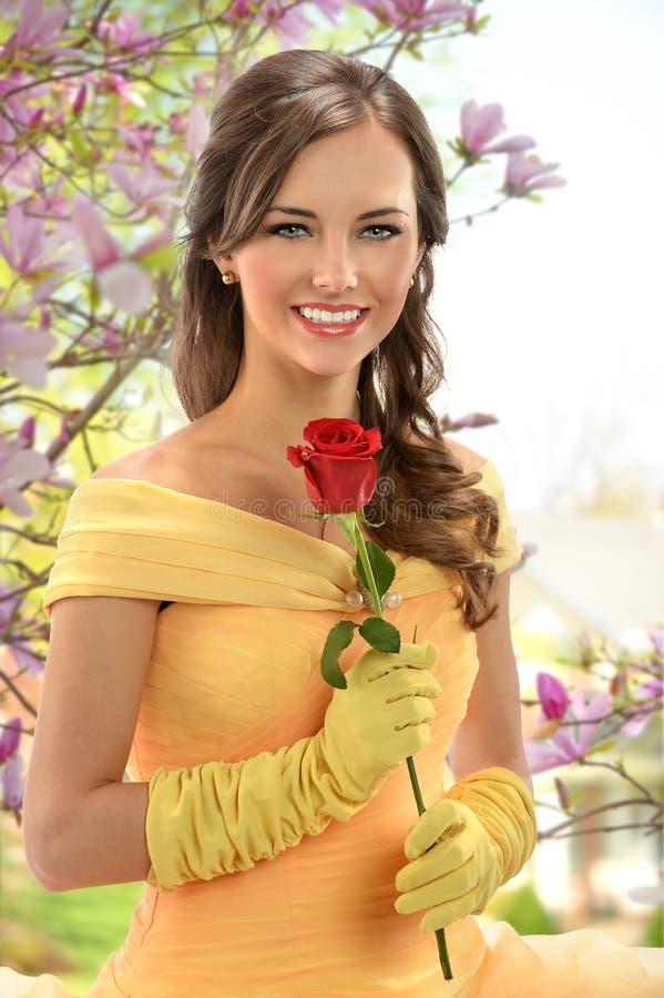 Giovane donna vestita in principessa Costume immagini stock libere da diritti