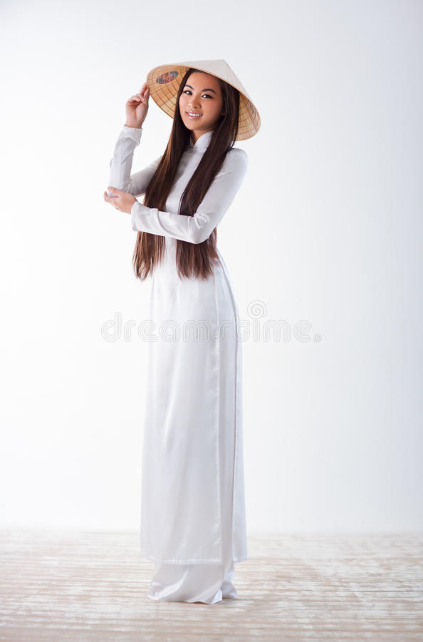 Giovane donna vietnamita immagini stock