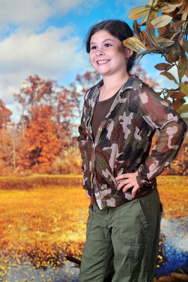 Giovane esploratore in Autumn Wetlands fotografie stock