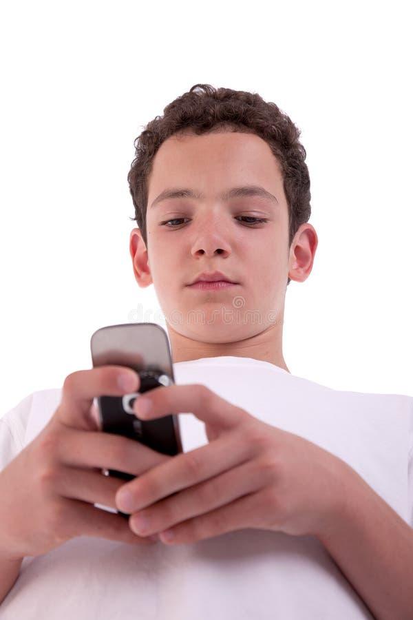 Giovane felice sul telefono, fotografie stock