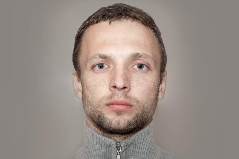 Giovane fine caucasica dell'uomo sul ritratto fotografie stock