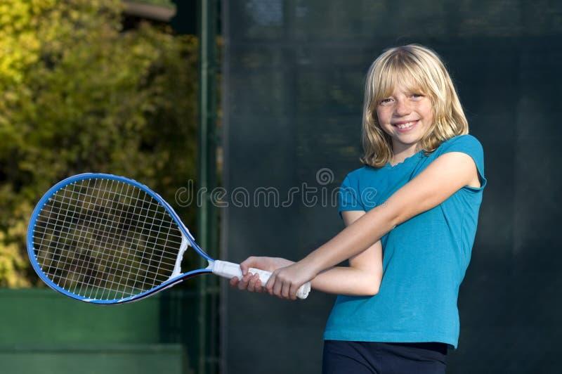 Download Giovane Giocatore Di Tennis Fotografia Stock - Immagine di concorrenza, svago: 7313556