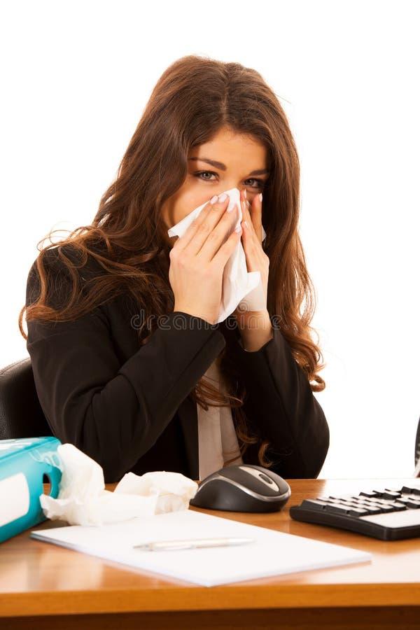 Giovane ill di lavoro della donna di affari nella sofferenza dell'ufficio - ilness a fotografie stock libere da diritti