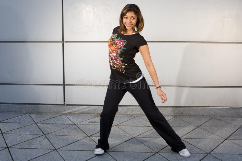 Giovane luppolo dell'anca di dancing dell'adolescente fotografia stock