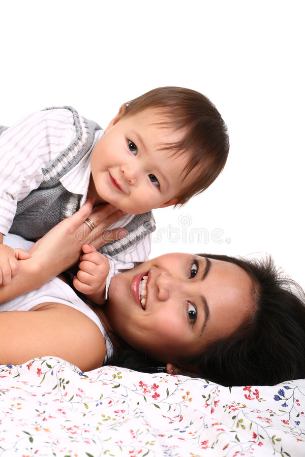 Giovane madre con il bambino fotografia stock libera da diritti
