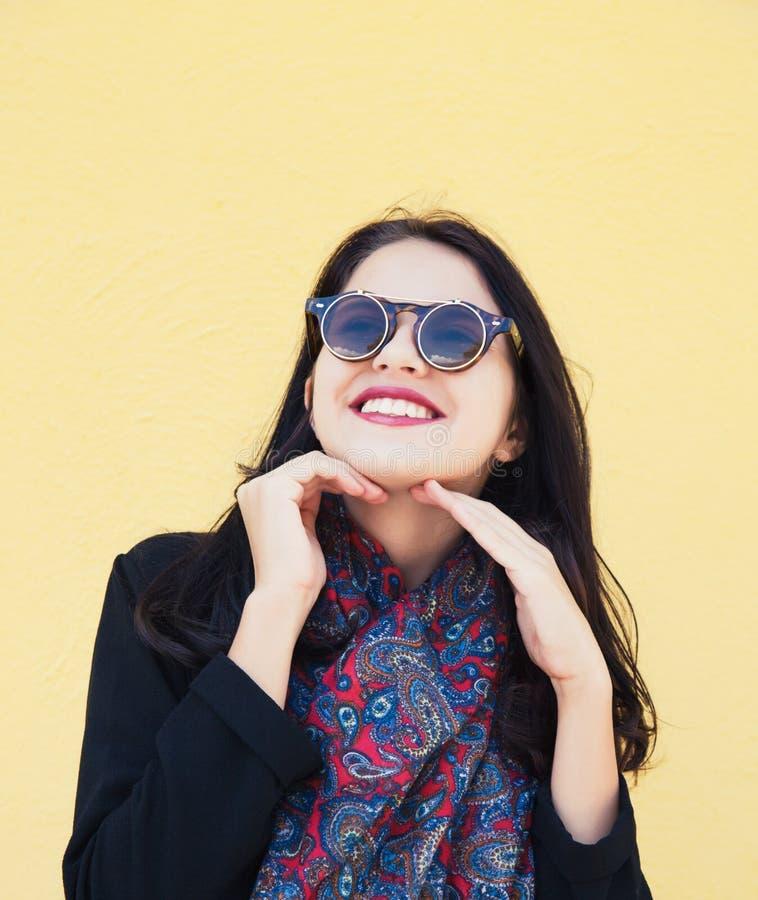 Giovane modello di moda femminile fotografia stock