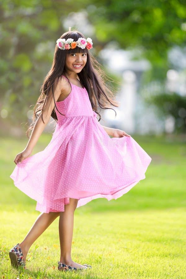 Giovane ragazza asiatica felice fotografie stock