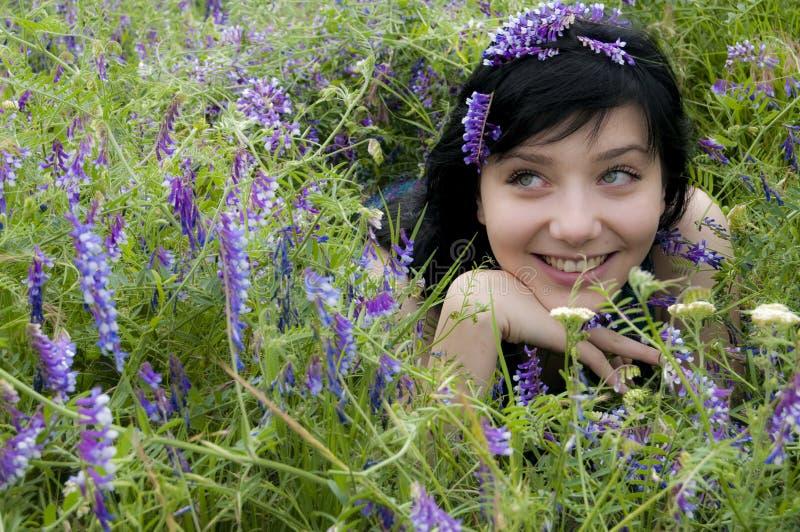 Giovane ragazza dei capelli neri fotografie stock libere da diritti