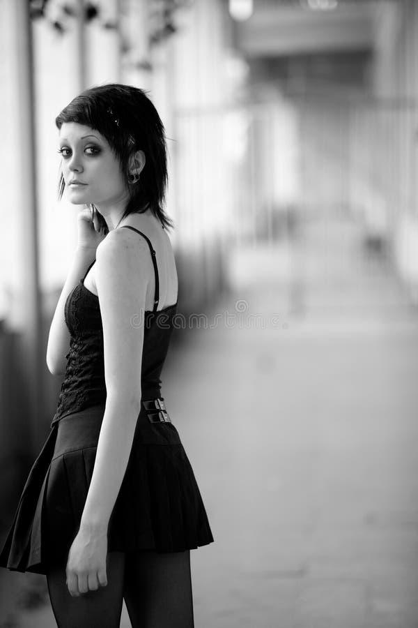 Giovane ragazza gotica fotografia stock libera da diritti
