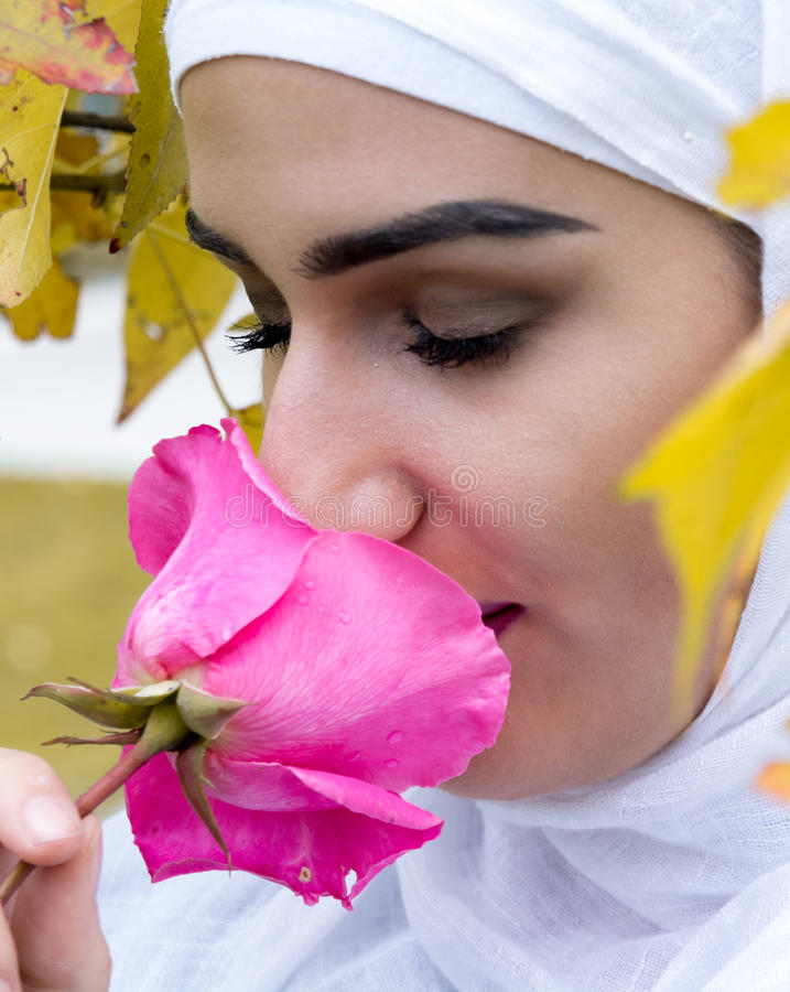 Giovane ragazza musulmana immagini stock