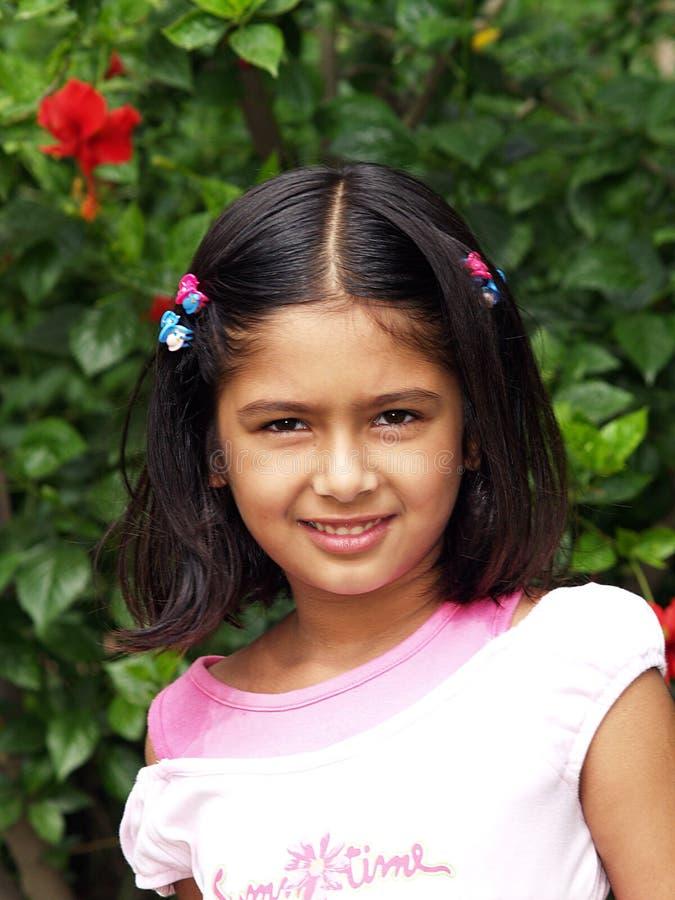 Giovane ragazza sorridente fotografia stock libera da diritti