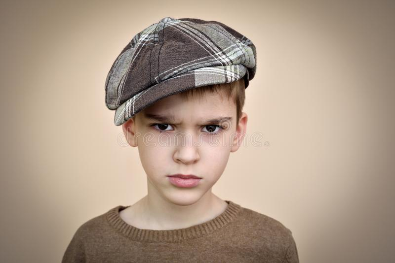 Giovane ragazzo arrabbiato immagini stock libere da diritti