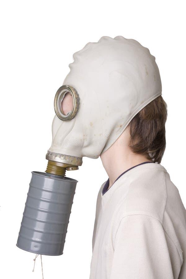 Giovane ragazzo con la maschera antigas immagine stock libera da diritti
