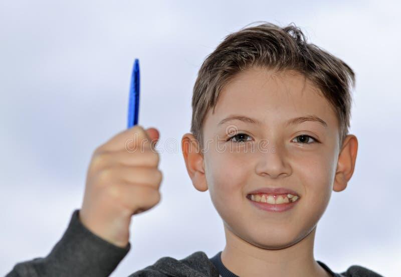Giovane ragazzo felice fotografie stock
