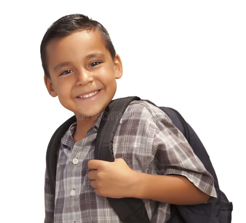 Giovane ragazzo ispanico felice pronto per il banco su bianco immagini stock libere da diritti