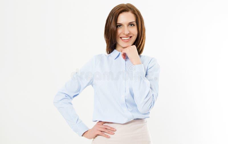 Giovane responsabile sicuro su fondo bianco - ritratto isolato della donna sorridente di affari fotografia stock libera da diritti
