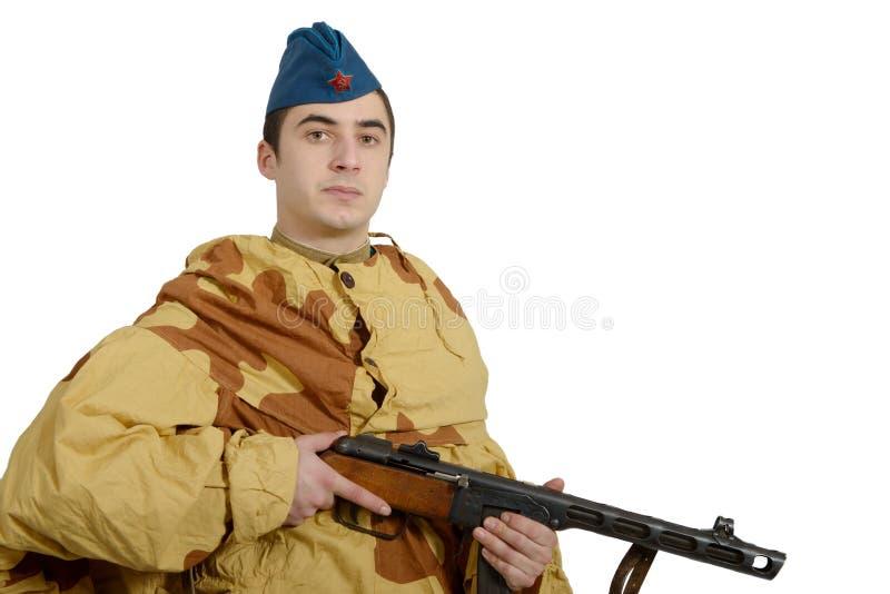 Giovane soldato sovietico con la mitragliatrice, ww2 fotografia stock