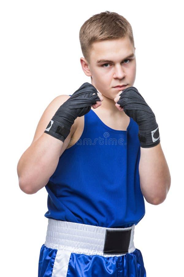 Giovane sportivo del pugile nel vestito blu di sport fotografie stock
