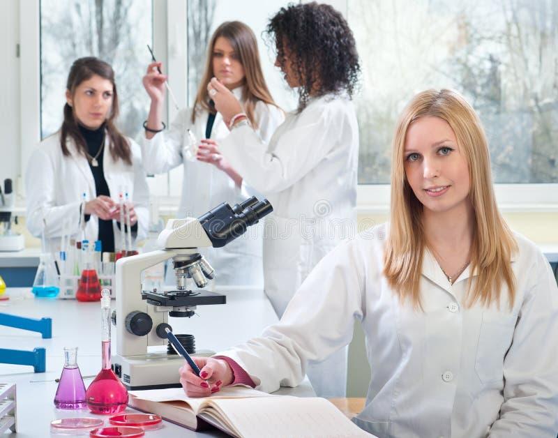 Giovane studente di medicina fotografia stock libera da diritti